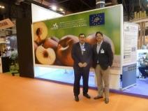 Pedro Luis Peleato y Sven Kallen posan en el stand de Seipasa, dedicada al proyecto Life+ Zero Residues