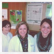 Panel de información en UNIZAR con Eva Maria Campo, Rosa Oria (Directora del proyecto) y Maria Eugenia Venturini.