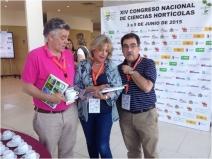 Rosa Oria con los Profesores Jesús Alonso (ICTAN-CSIC, Madrid) y Lorenzo Zacarías (IATA-CSIC, Valencia)